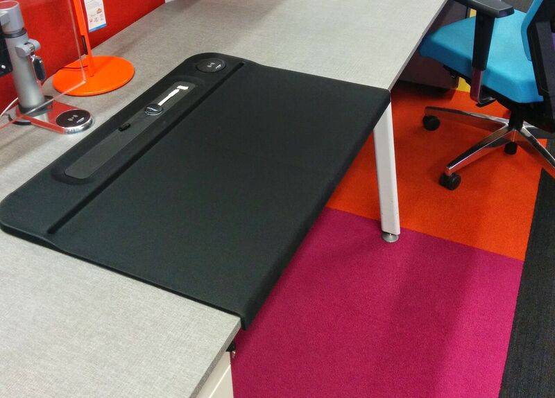 Aircharge Desk Mat Black
