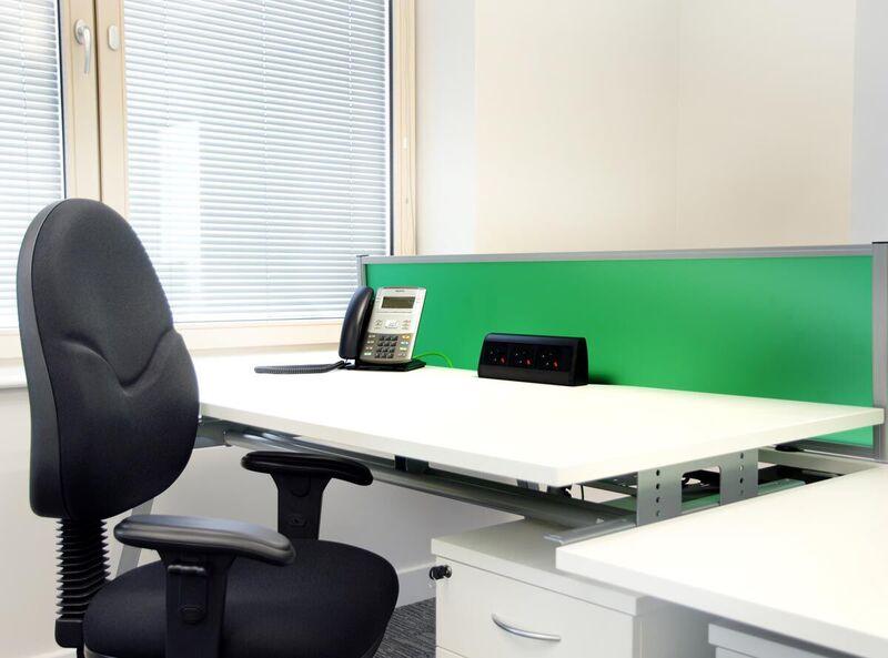 Bench²-Manual-Height-Adjsutable-Desk-Example-Set-Up