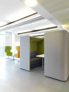 Den Dining Acoustic Pod with Canopy
