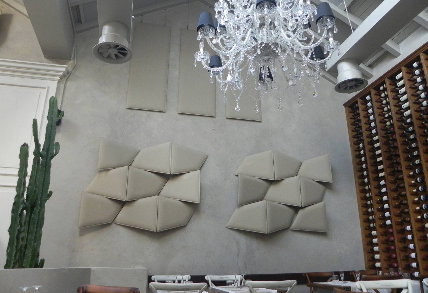 Flap-Large-White-Wall-Mounted-Acoustic-Panels-in-Large-Room