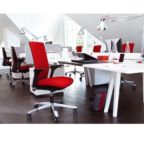HAG-Futu-Ergonomic-Task-Chair-With-Arms-In-Situ