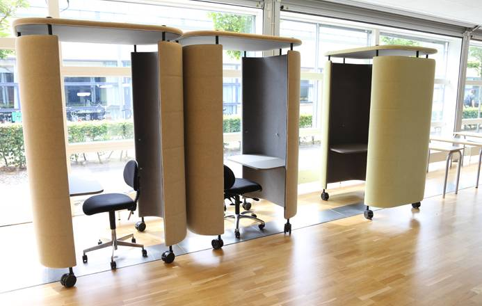InnoPod-Ocee-Mobile-Acoustic-Work-Pods-In-Situ-Face-On