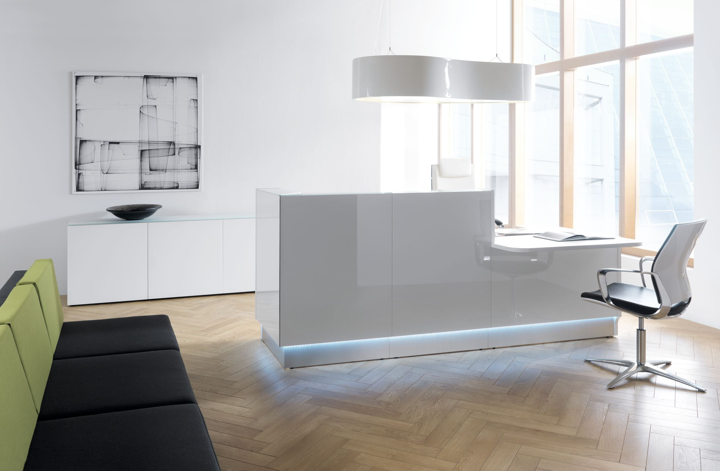 Linea Reception Desk In Situ
