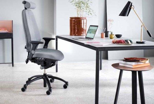 RH Logic Chair Grey with Headrest