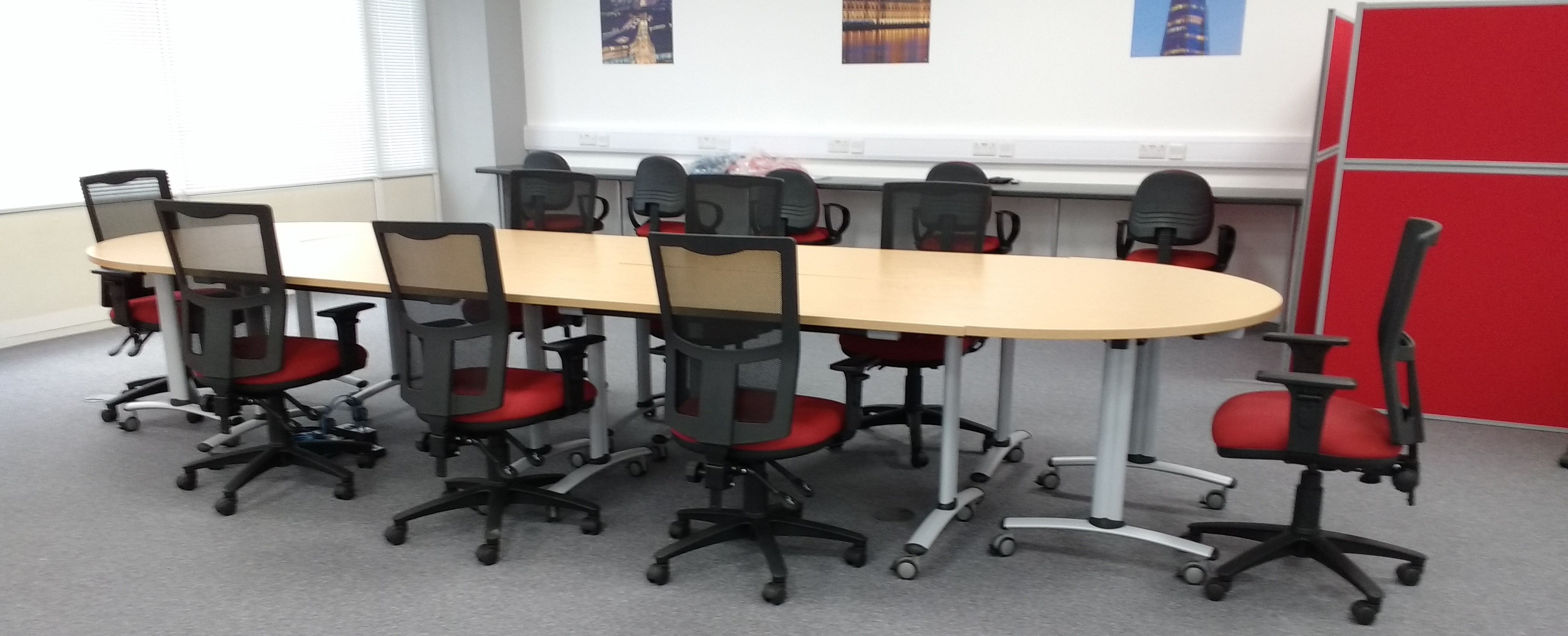 Telford Tilt Top Tables and e-Lite Mesh Back Chairs