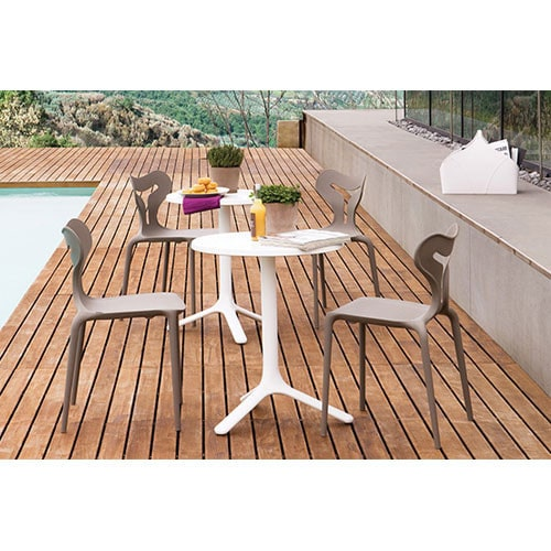 A51-Modern-Plastic-Outdoor-Chairs-Grey-In-Situ