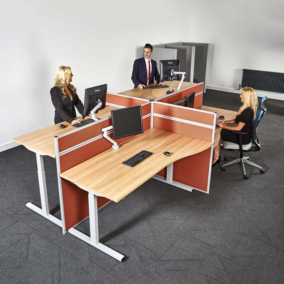 Group-Set-Up-In-Office-Of-Rise-Height-Adjustable-Desking